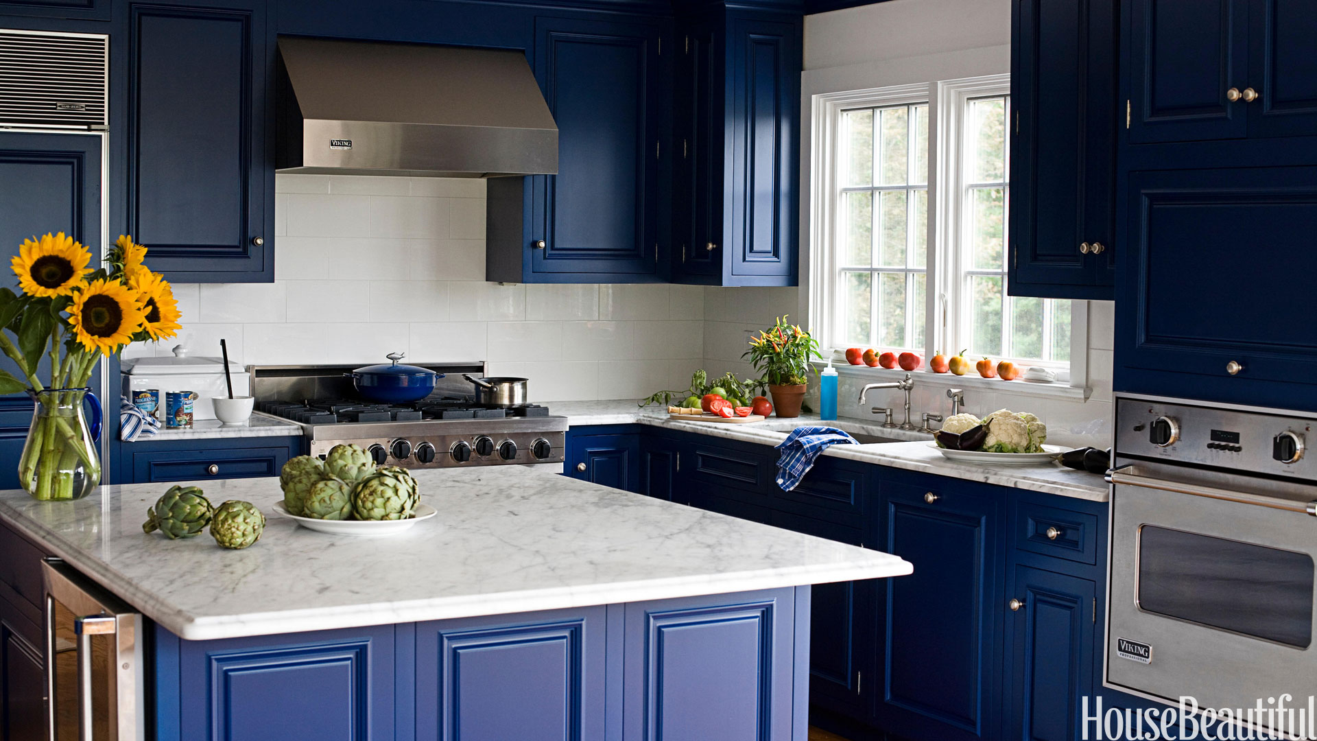 10 nov kitchen remodeling tips to choose the right color - Kitchen Cabinets Colors